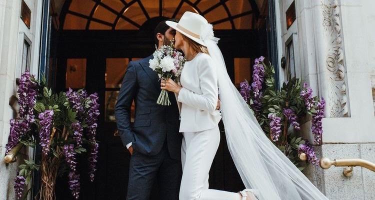Брючный костюм как альтернатива свадебному платью